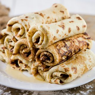 RUSSIAN BUTTERMILK BLINI( RUSSIAN CREPES)