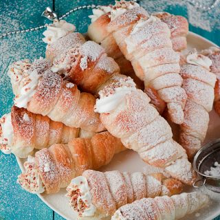 CREAM HORNS( RUSSIAN TRUBOCHKI)
