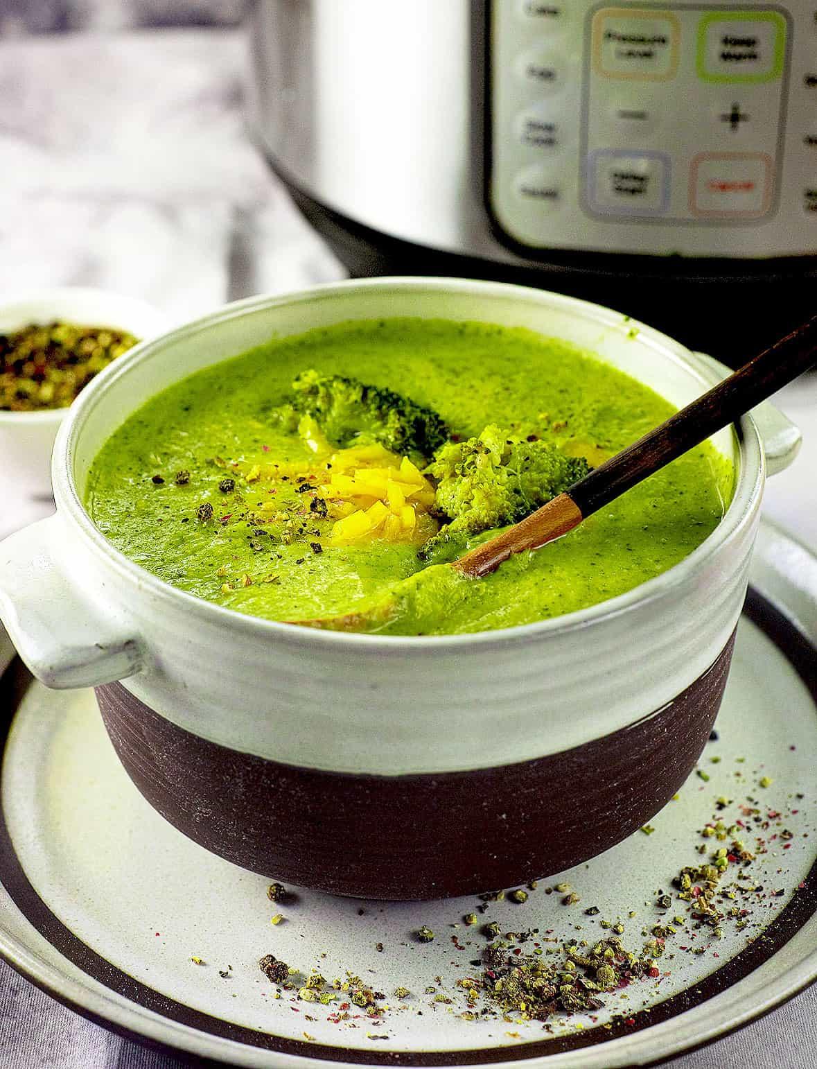 instant-pot-broccoli-cheddar-soup